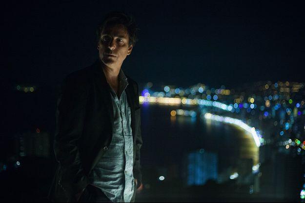 """Yvan Attal dans le rôle de Darius dans """"Ad Vitam""""."""