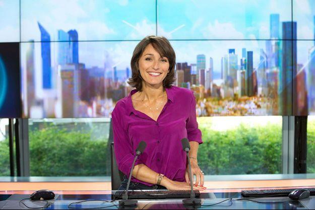 Amandine Bégot sur le plateau d'iTélé.