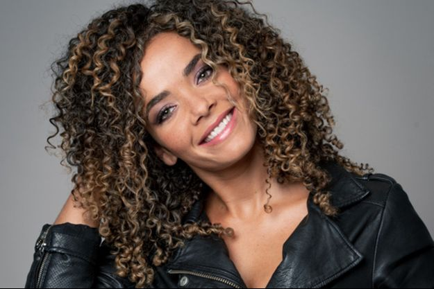 """Anaïs Grangerac participe à la saison 2 de """"Stars à nu""""."""