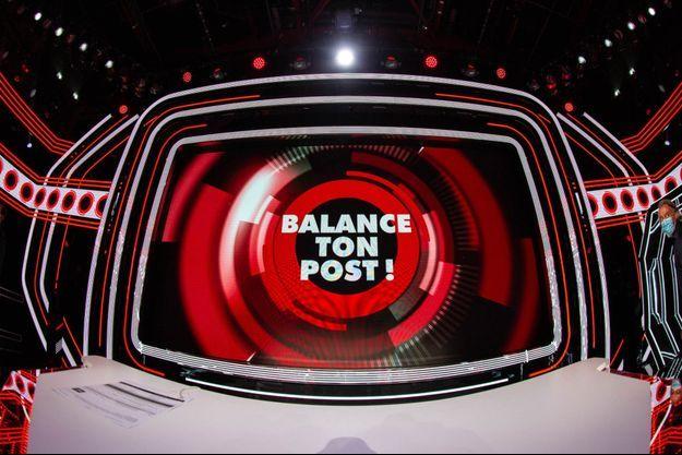 """Le plateau de """"Balance ton post""""."""