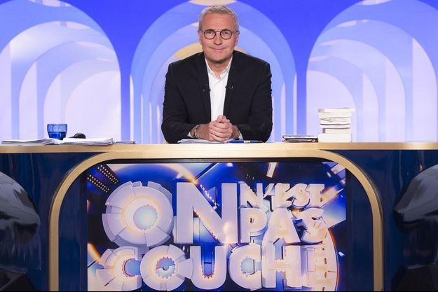 """Laurent Ruquier sur le plateau d'""""On n'est pas couché""""."""