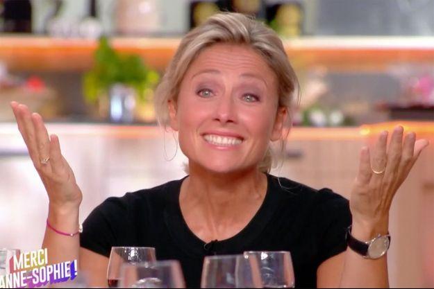 """Anne-Sophie Lapix a fait ses adieux à """"C à vous"""" vendredi."""