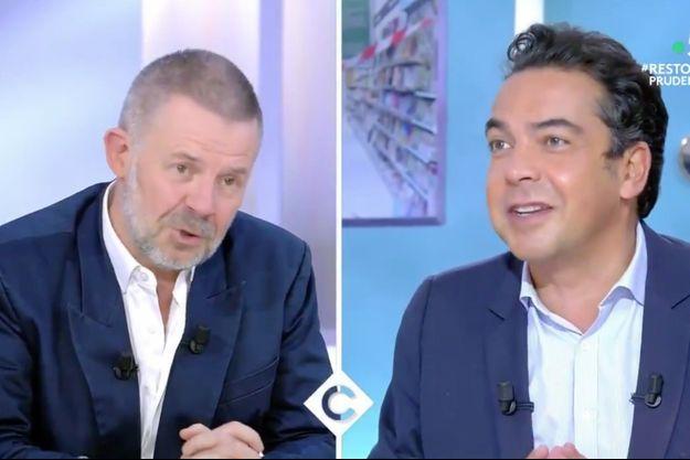 """Eric Naulleau et Patrick Cohen sur le plateau de """"C à vous"""" mardi."""