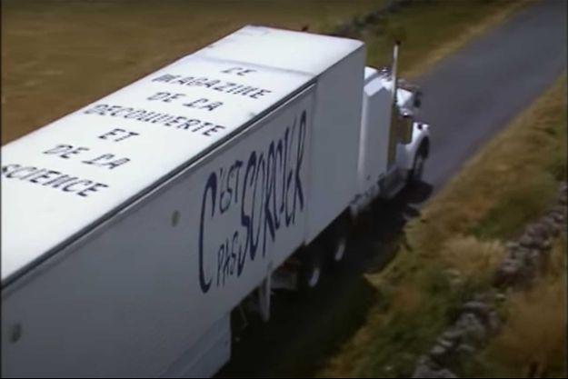 """Le célèbre camion blanc de """"C'est pas sorcier""""."""