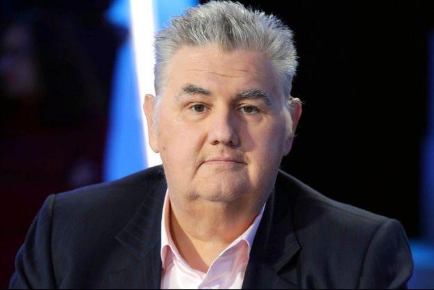 """Pierre Ménès, sur le plateau du """"Canal Football Club""""."""