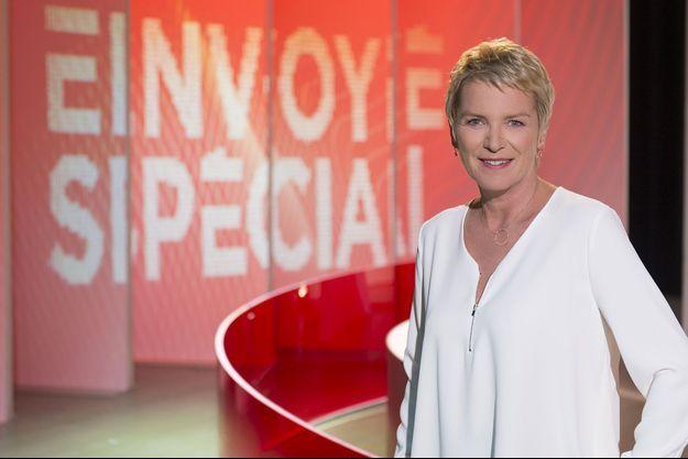 """Elise Lucet sur le plateau d'""""Envoyé spécial"""" en 2017."""