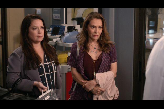 "Holly Marie Combs et Alyssa Milano dans ""Grey's Anatomy""."