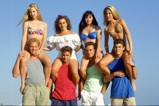 """Le casting de """"Beverly Hills"""", en 1990."""