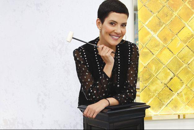 """Après """"Les reines du shopping"""", Cristina Cordula présente """"Les reines des enchères""""."""