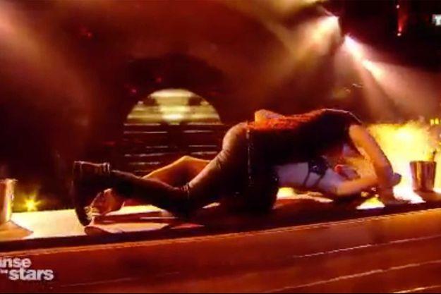 """Iris Mittenaere et Anthony Colette lors du premier prime de """"Danse avec les stars""""."""