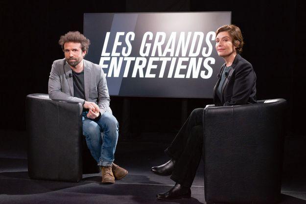 Daphné Roulier avec Cyril Dion.