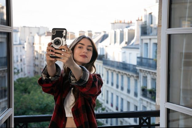 "Lily Collins dans ""Emily in Paris""."