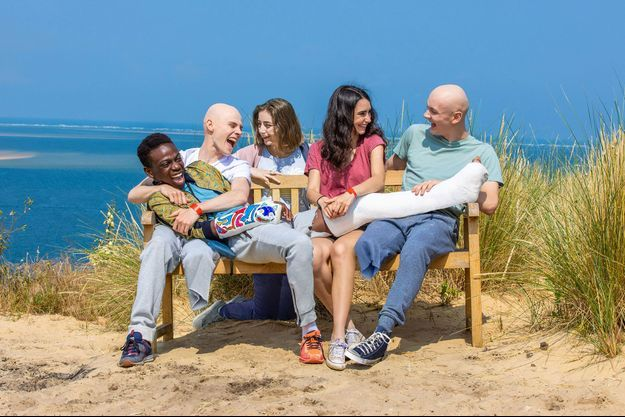 Mehdi (Azize Diabate), Thomas (Audran Cattin), Louise (Mona Berard), Roxane (Louna Espinosa) et Clément (Tom Rivoire).