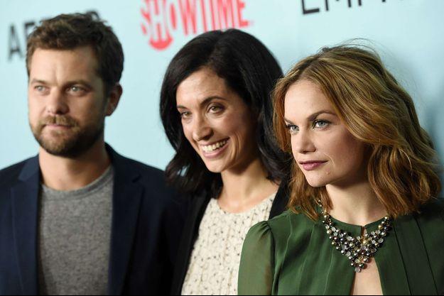 """Ruth Wilson (à droite), avec au centre Sarah Treem, co-créatrice de la série """"The Affair"""", et à gauche Joshua Jackson. Photo prise en 2015."""