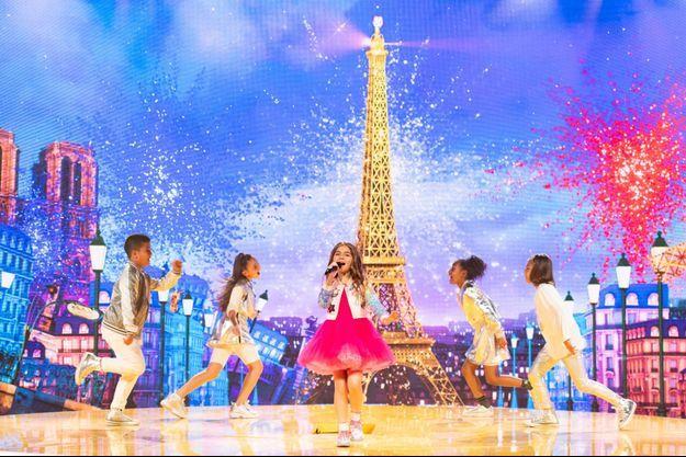 """Valentina lors de la prestation de son morceau """"J'imagine"""", à l'Eurovision junior 2020."""