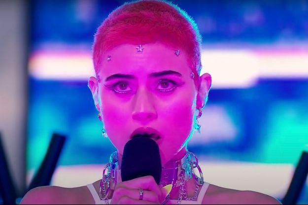 """La candidate australienne à l'Eurovision, Montaigne, interprète son titre """"Technicolour""""."""