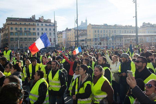 """Des """"gilets jaunes"""" à Marseille, le 1er décembre."""