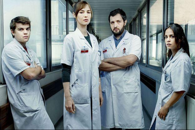 Zacharie Chasseriaud (Hugo Wagner), Louise Bourgoin (Chloé Antovska), Karim Leklou (Arben Bascha) et Alice Belaidi (Alyson Lévèque).