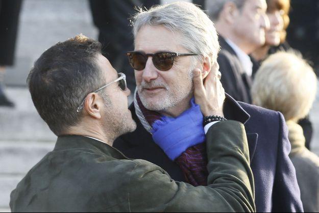 José Garcia et Antoine de Caunes aux obsèques de Philippe Gildas, le 5 novembre dernier.