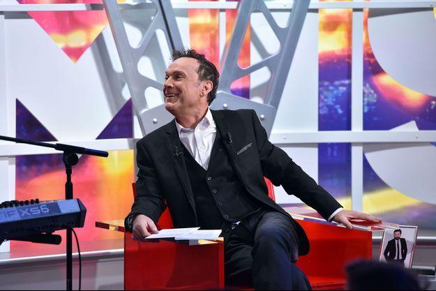 """Julien Lepers sur le plateau de la """"Grosse émission""""."""