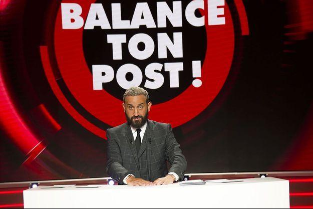 """Cyril Hanouna sur le plateau de """"Balance ton post""""."""