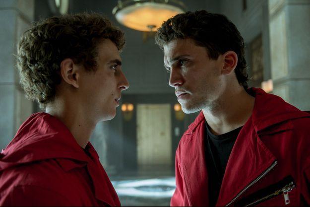 """Miguel Herrán (Rio) et Jaime Lorente (Denver) dans la partie 4 de """"La Casa de Papel""""."""