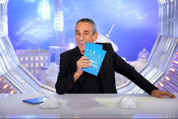 """Thierry Ardisson dans """"Salut les terriens!""""."""