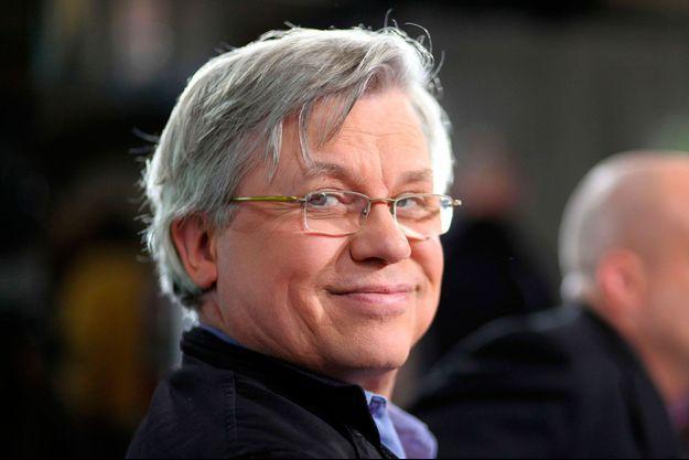 """Philippe Gloaguen lors de l'enregistrement de l'emission """" On en parle a Paris"""" sur France 3 Ile-de-France en 2009."""