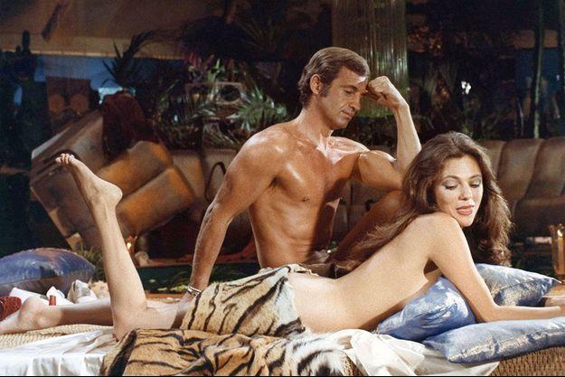 """Jean-Paul Belmondo et Jacqueline Bisset dans """"Le Magnifique""""."""