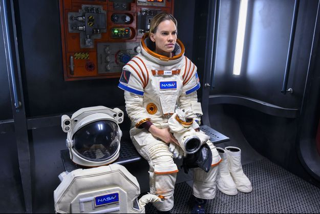 "Hilary Swank dans ""Away""."