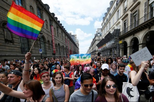 La communauté LGBT est l'objet de nombreux propos discriminatoires à la télévision.