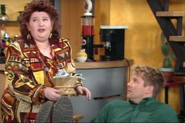 """Dan Simkovitch incarnait Madame Bellefeuille dans """"Les Filles d'à côté""""."""
