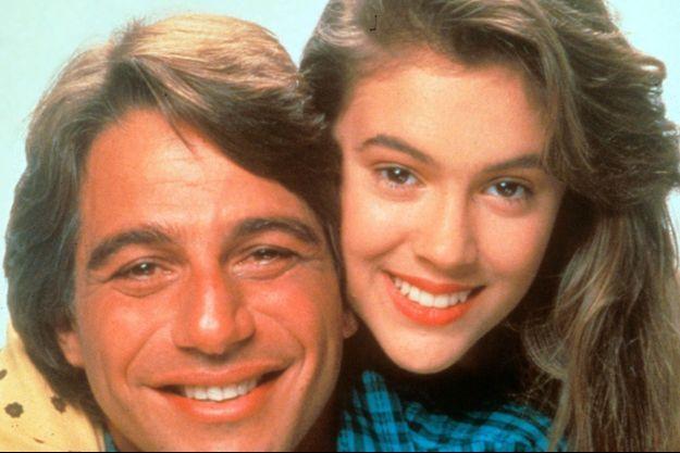 """Alyssa Milano et Tony Danza dans """"Madame est servie"""" en 1985."""
