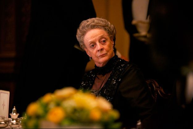 Maggie Smith incarne la comtesse Violet Crawley.