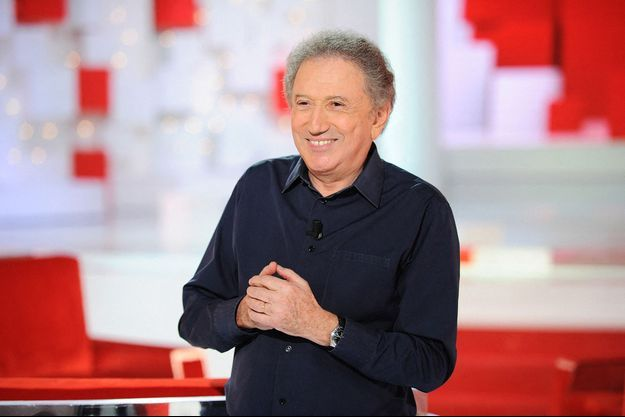 """Michel Drucker en juillet 2020 sur le plateau de son émission """"Vivement dimanche"""""""