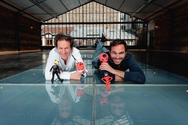 """Jérémy Zag et Aton Soumache (ON Entertainment), producteurs de """"Miraculous"""" - ici photographiés dans les locaux parisiens de Zagtoon, le 31 mars."""