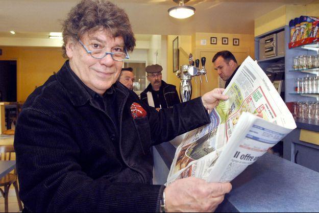 Pierre Péan ici dans un café de Maumusson en 2008.