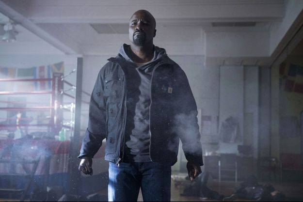Mike Colter incarne Luke Cage.