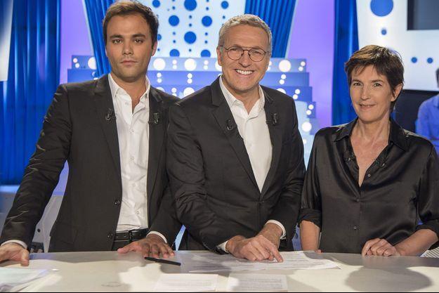 """Charles Consigny, Laurent Ruquier et Christine Angot sur le plateau d'""""On n'est pas couché""""."""