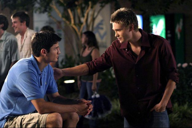 "James Lafferty et Chad Michael Murray dans ""Les Frères Scott""."