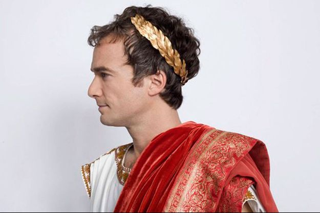 Jonathan Lambert joue le tyrannique empereur Maximus.