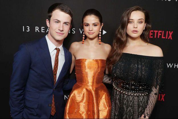 Dylan Minnette (Clay Jensen), Selena Gomez et Katherine Langford (Hannah Baker) lors du lancement de la série à Los Angeles, le 30 mars 2017.