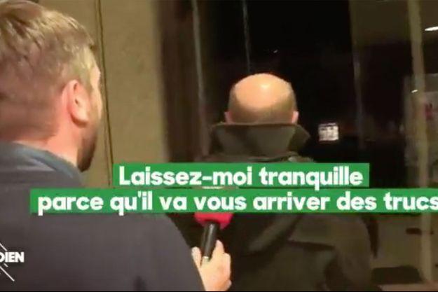 Paul Larrouturou derrière le maire de Chartres.