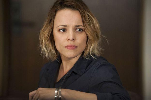 Rachel McAdams est Ani Bezzerides.