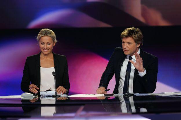 Anne-Sophie Lapix et Laurent Delahousse lors de la soirée électorale sur France 2, le 20 juin.