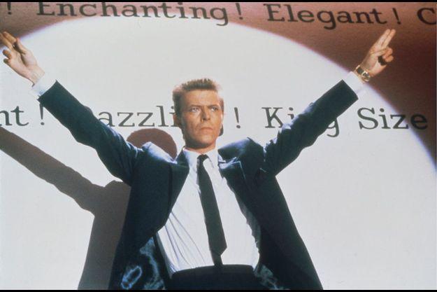"David Bowie dans la comédie musicale ""Absolute Beginners"" en 1985."