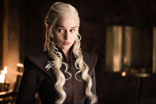 """Emilia Clarke dans """"Game of Thrones""""."""