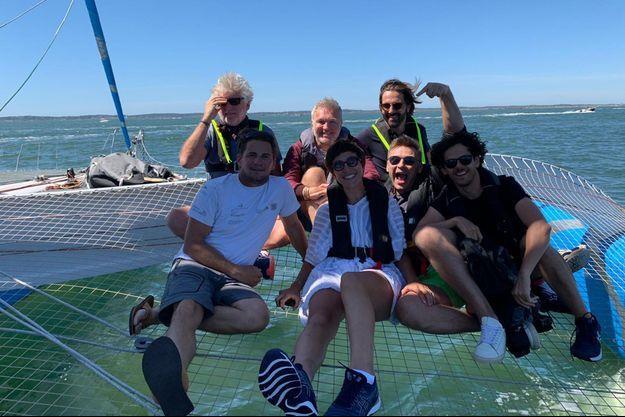 Mercredi 8 juillet, le navigateur Thibaut Vauchel-Camus a accueilli à bord du son trimaran, Michaël Gregorio, parrain du Multi50, accompagné de Laurent Ruquier et de Jean-Philippe Janssens.