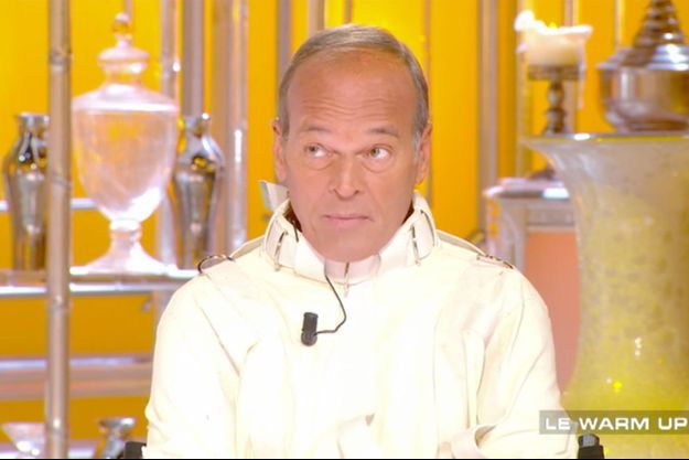 """Laurent Baffie sur le plateau de """"Salut les terriens""""."""