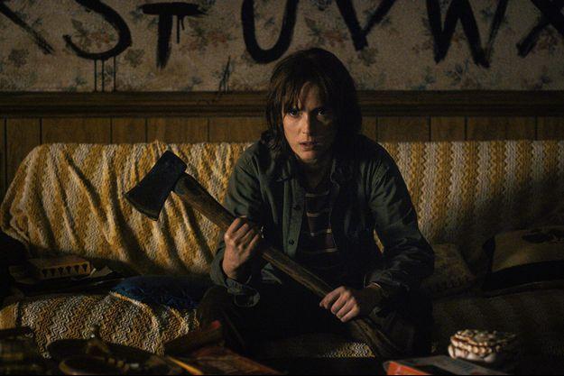 Winona Ryder joue le rôle de Joyce, la mère du garçon disparu.